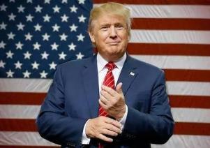 """""""外交初体验""""屡掀波澜 美国被特朗普""""玩坏了""""?"""