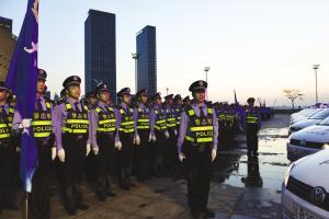改革开放让大连公安走上了传统警务和现代科技警务的完美结合路。